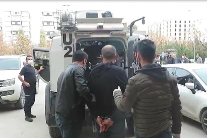 18 ayrı suçtan aranan zanlı Kızıltepe'de yakalandı