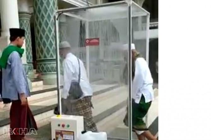 Li Endonezyayê Misliman berî nimêjê dezenfekte dibin