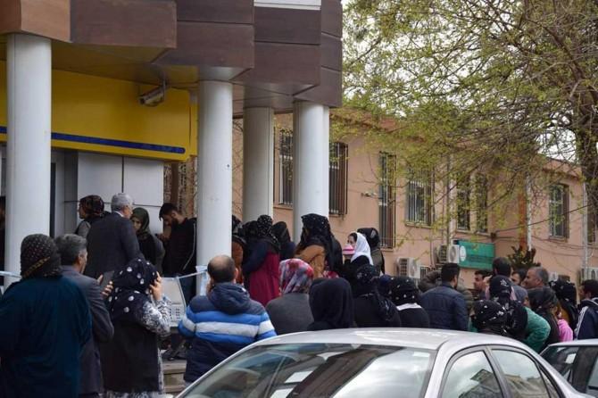 Viranşehir'de banka ve PTT şubelerine Coronavirus uyarısı