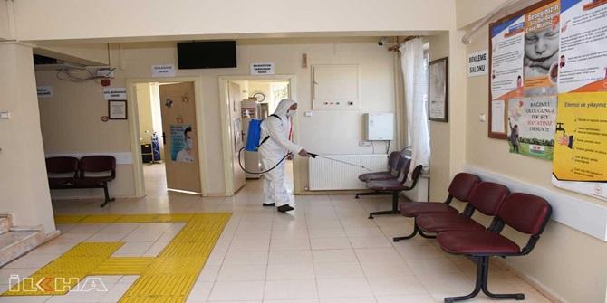 Şanlıurfa'da sağlık kurumlarındaki dezenfekte işlemleri aralıksız sürüyor