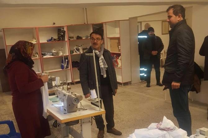 Gerçüş'te sağlık çalışanları için iş elbiseleri dikildi