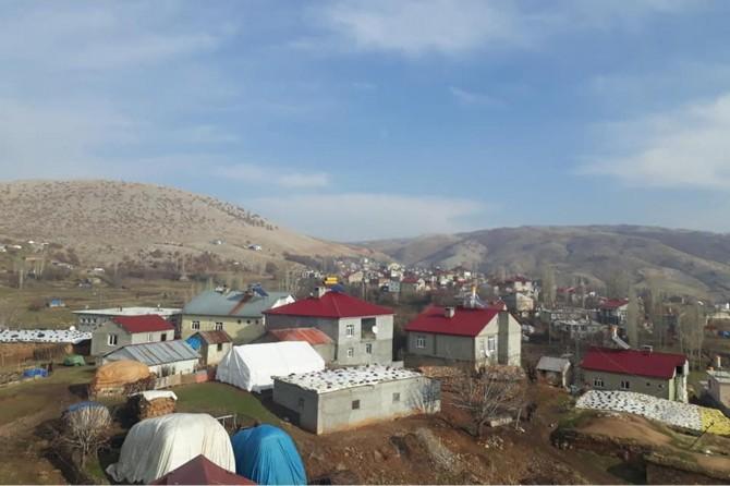 Coronavirus salgını nedeniyle Mutki'nin Koyunlu Köyü karantinaya alındı