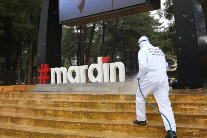 Mardin'de cadde ve sokaklar her gün yıkanıyor