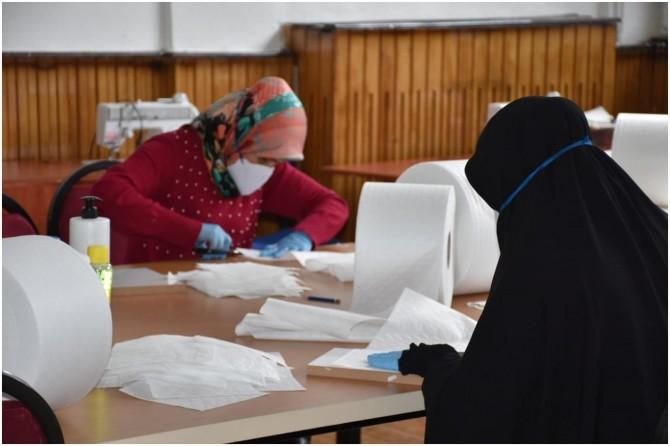 Coronavirus fırsatçılarının önüne geçebilmek için üretilen maskeler ücretsiz dağıtılacak