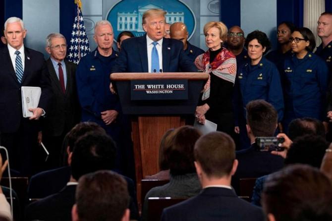 """ABD Başkanı Trump'tan Coronavirus açıklaması: """"En az 100 bin insanımızı kaybedeceğiz"""""""