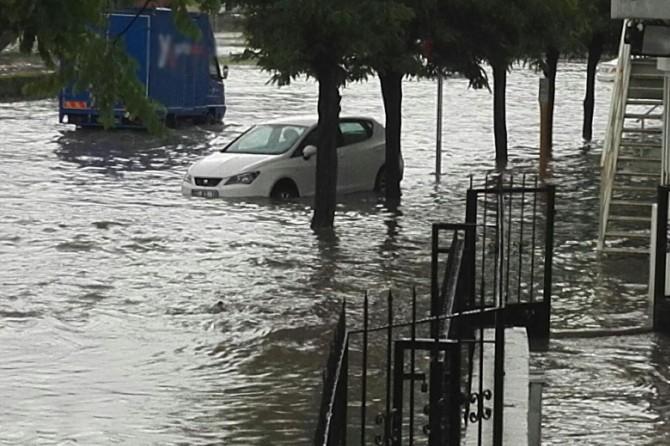 Meteorolojiden Doğu ve Güneydoğu Anadolu Bölgesi için kuvvetli yağış uyarısı
