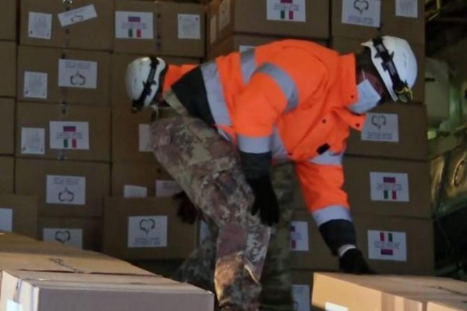 Rusya'dan Coranavirus ile mücadele eden ABD'ye yardım