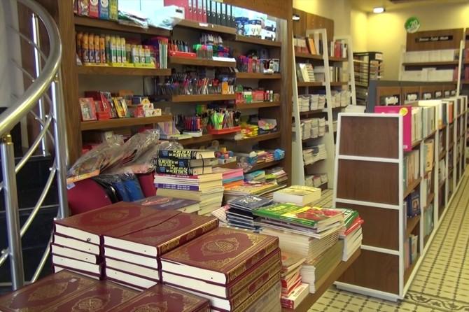 Kitabevleri sahipleri: En çok rağbet gösterilen kitap Kur'an-ı Kerim'dir