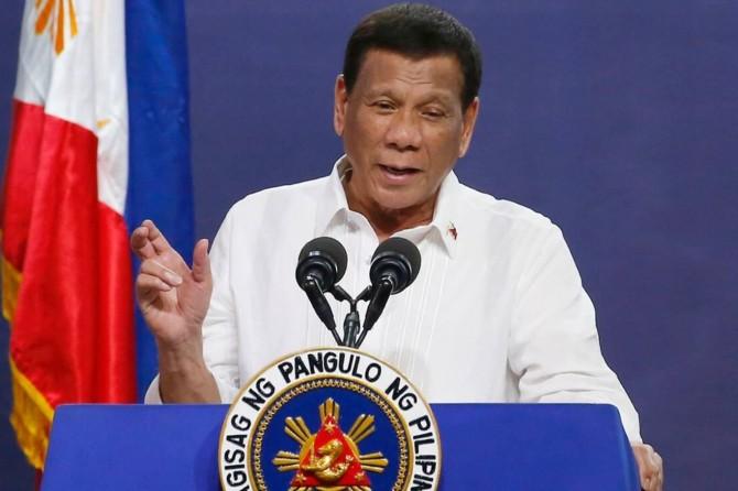 Filipinler Devlet Başkanı Duterte: Coronavirus önlemlerini ihlal edenleri gerekirse vurun
