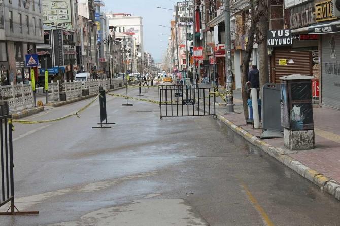 Van'da 2 caddeye park yasağı getirildi