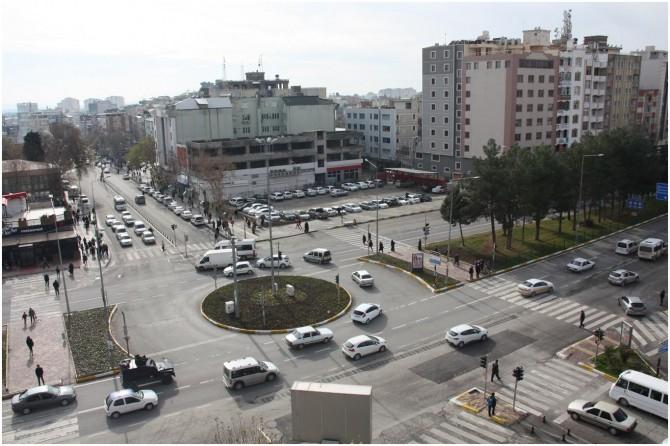 Adıyaman'da bazı cadde ve sokaklar araç trafiğine kapatıldı