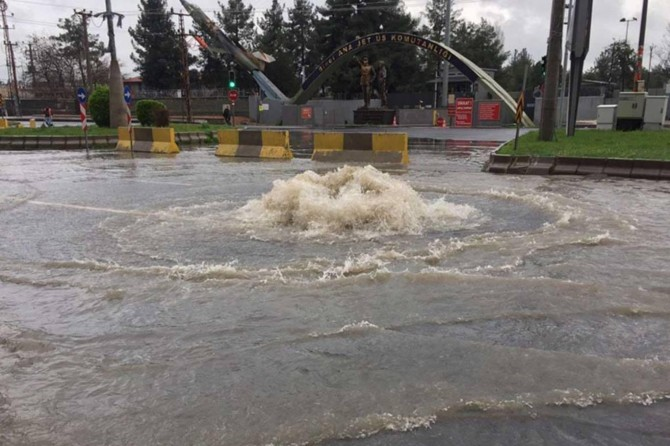 Güneydoğu illerinde beklenen sağanak yağışlara dikkat