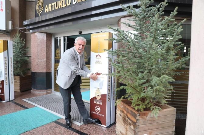 Artuklu'da mobil dezenfekte istasyonları kuruluyor