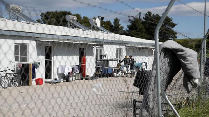 Yunanistan bir göçmen kampını daha karantinaya aldı