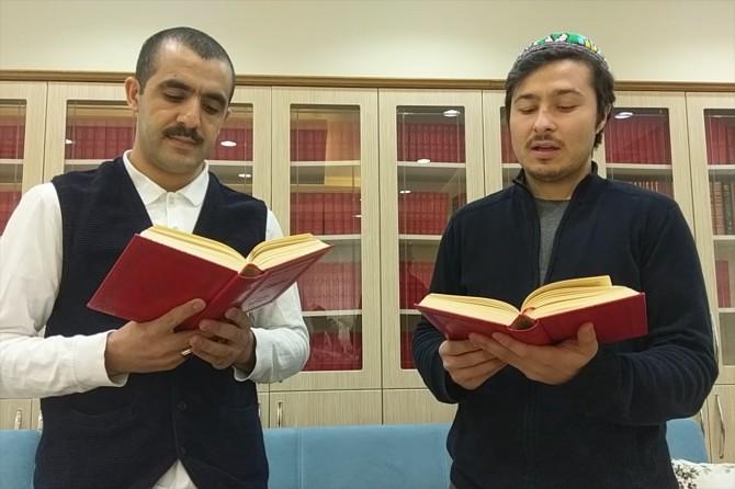 Öğrencilerden 'evde kal kitap oku' çağrısı