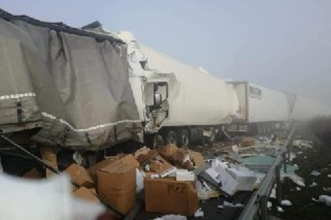 Bulgaristan'da 22 TIR'ın karıştığı kazada 1 Türkiye vatandaşı hayatını kaybetti
