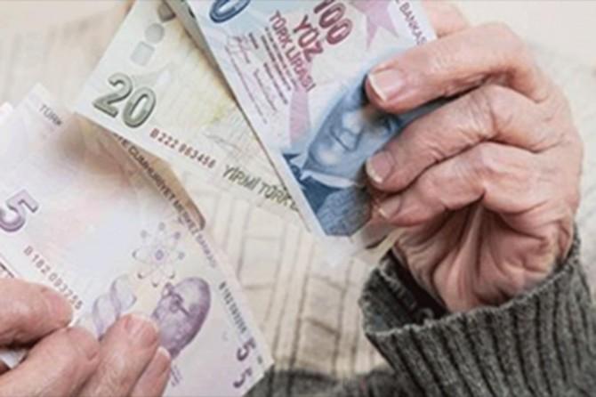Emeklilere verilecek bayram ikramiyesinin ödemeleri başladı
