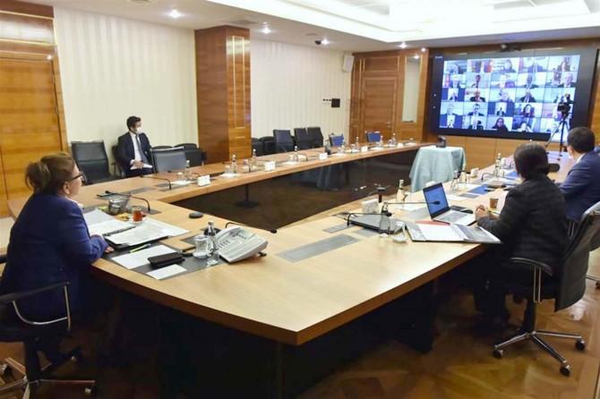 Ticaret Bakanı Pekcan yurtdışı temsilcileriyle görüştü