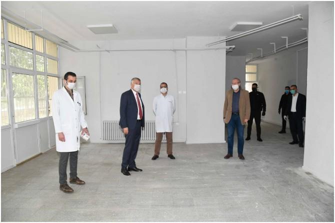 Adana'da evine gitmeyen sağlık çalışanları için Sahra Hastanesi ve lojmanı hazırlandı