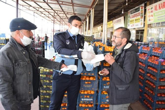 Viranşehir'de ücretsiz maske dağıtımı yapılıyor