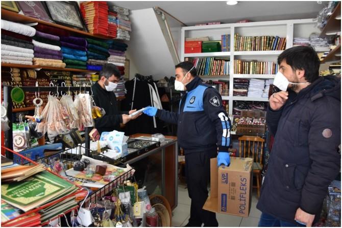 Tatvan'da esnafa ücretsiz maske dağıtımına başlandı