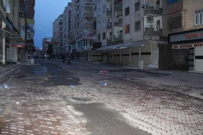 Diyarbakır esnafından dükkânları açma-kapama saatleri kararına destek