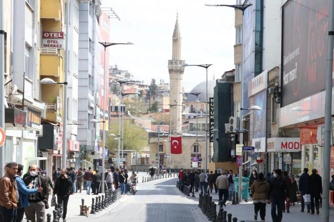 Gaziantep'te vatandaşlar güneşli havayı görünce 'Evde Kal'madı