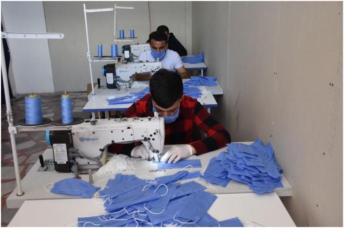 Nusaybin'de cerrahi maske üretimine başlandı