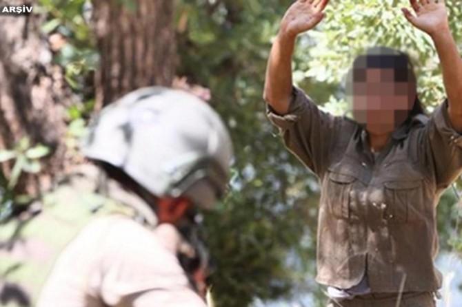 """Mardin'de jandarmanın ikna ettiği PKK'li """"Helin"""" kod adlı Rahime Aslan teslim oldu"""