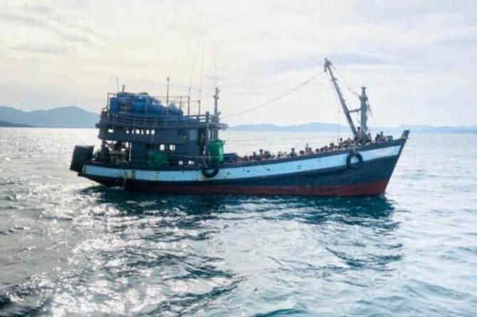 Rohingyalıları taşıyan teknedeki 30 kişi açlıktan hayatını kaybetti