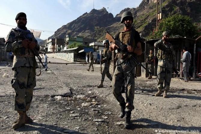 Afganistan'da Taliban güçleri ile korucular arasında çatışma: 9 korucu öldü