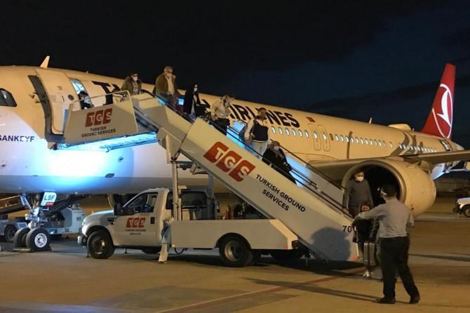Almanya'dan getirilen 165 Türkiye vatandaşı Mersin'de karantinaya alındı