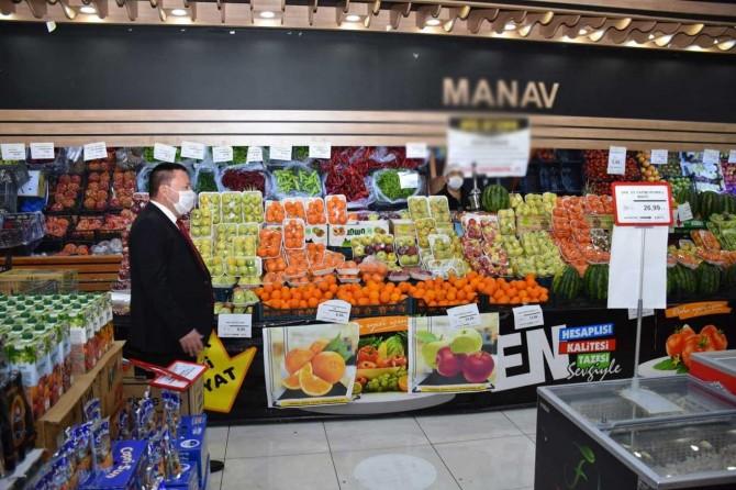 Diyarbakır Bağlar Belediye Başkanı, yasak öncesinde market denetimine katıldı