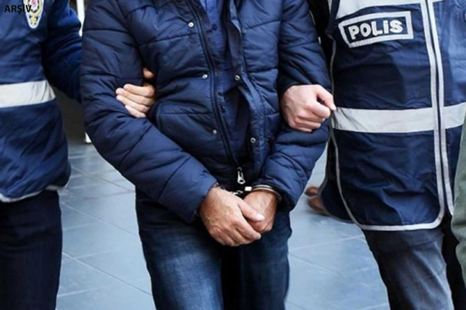 Şırnak'ta, PKK ve FETÖ'ye yönelik operasyonlarda yakalanan 8 şüpheliden biri tutuklandı