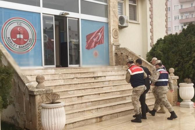 Derik'te FETÖ firarisi saklandığı evde yakalandı