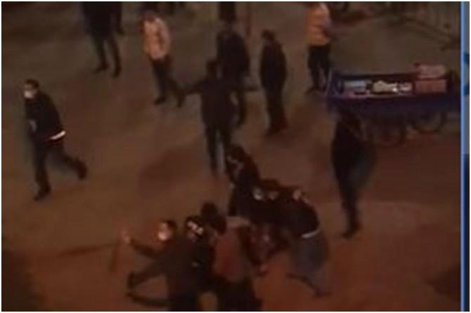 Siirt'te polise bıçak çektiği iddia edilen seyyar satıcı gözaltına alındı