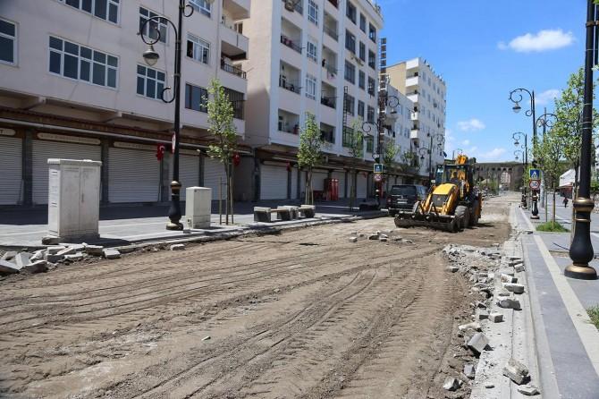 Diyarbakır'da onarımına başlanılan Melik Ahmet Caddesi şehrin doğasına uygun hale getirilecek