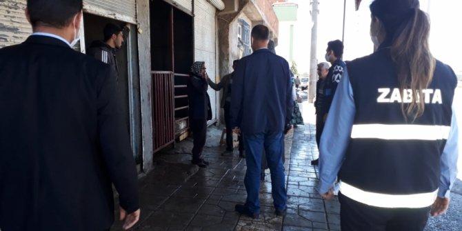 Diyarbakır Yeniköy'de kaçak hayvan satışı ve kesimi yapılan yer mühürlendi