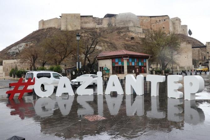 Sokağa çıkma yasağının ilk gününde Gaziantep sessiz bir güne uyandı
