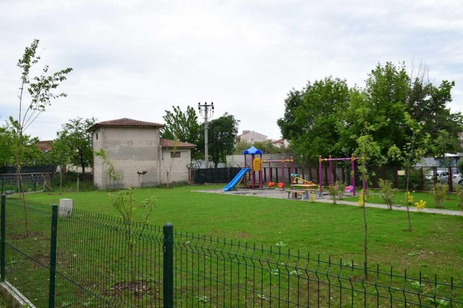 Bağlar Belediyesi parkları yeniledi