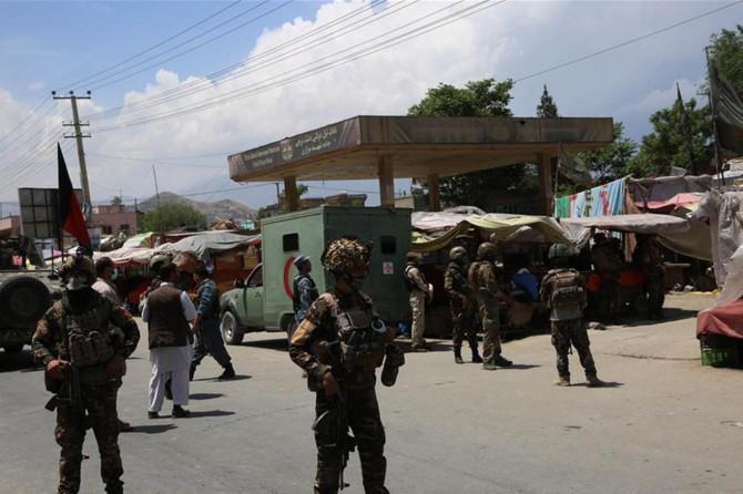 Afganistan'da cenaze töreni ve hastaneye saldırı: En az 30 ölü