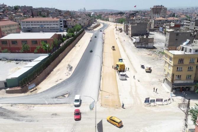 Gaziantep'te sokak ve caddelerin asfaltlanması sürüyor