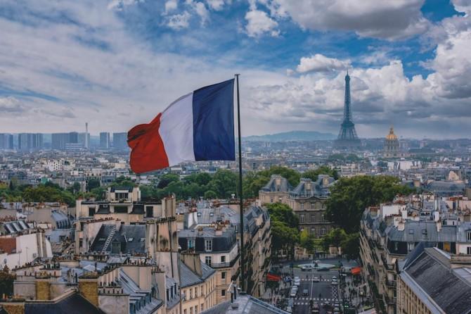 Li Fransayê ji ber Coronavîrusê heta niha 27 hezar û 74 kes mirin