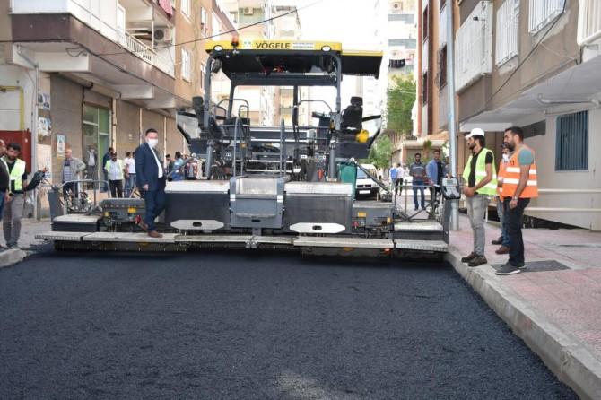 Bağlar Belediyesi, Mevlana Halit Mahallesi'nin 20 yıllık asfalt sorununu çözdü