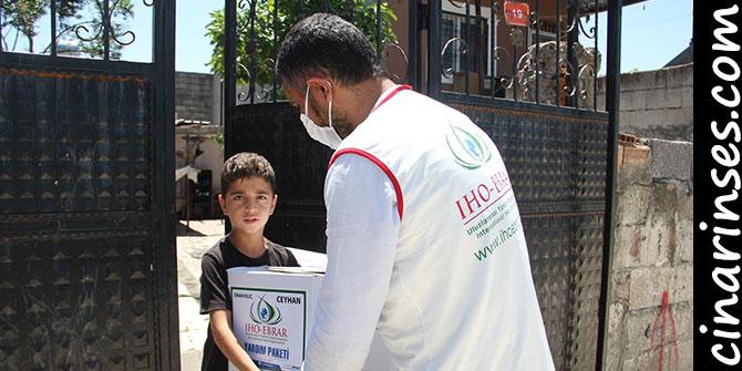 IHO-EBRAR Adana Ceyhan'da ihtiyaç sahiplerine Ramazan yardımında bulundu