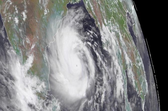 Amphan Kasırgası'nda ölü sayısı 84'e yükseldi