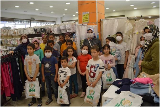 İHH, Siirt'te 300 yetim çocuğun yüzünü güldürdü