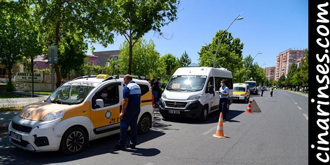 Diyarbakır Büyükşehir Belediyesi toplu taşıma araçlarını denetliyor