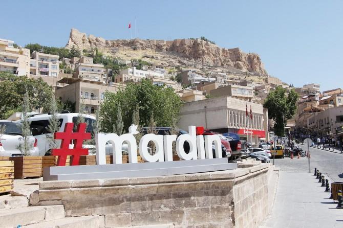 Dinlerin ve dillerin şehri Mardin'den 3 dilde Ramazan Bayramı mesajı