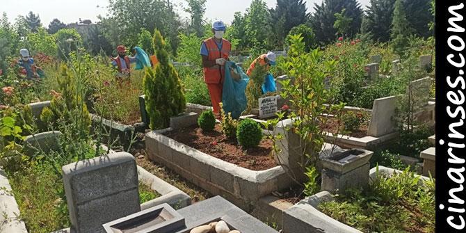Diyarbakır Büyükşehir Belediyesinden bayram öncesi mezarlık temizliği